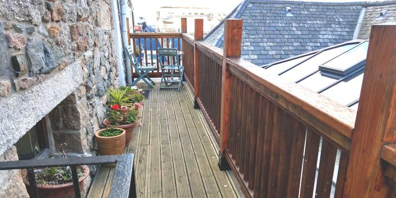 Sunny Corner Walkway Balcony