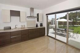 AH759 Kitchen