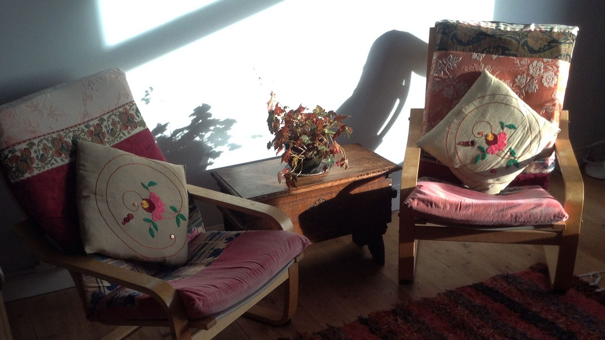 Ocean View Living Room Chairs